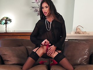 Asian brunette MILF Beverly masturbates in stockings and high heels