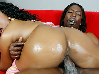Tiffany Staxxx Bouncing Go off at a tangent Phat Black Boodle While Riding Cock