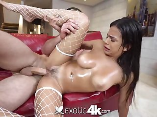 Mexican hotty, Autumn has a chubby sneer in excess of her face while getting well-prepped to jizz