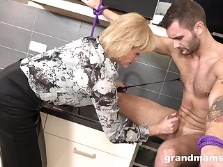 Snag a grasp at mature woman is fucking young submissive dude